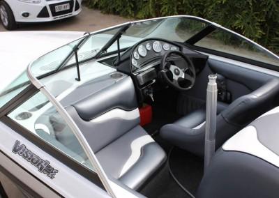 skiboat-vision21s-interior